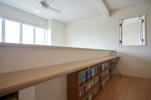 階段ホール 読書スペース